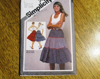 "RETRO 1980s Boho Tiered Peasant / Gypsy Skirt / High Waisted HIPPIE Skirt - Size 14 (Waist 28"") - UNCUT Sewing Pattern Simplicity 9918"