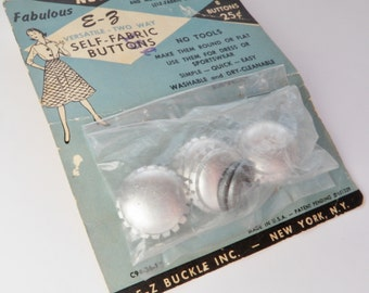 "1940s Buttons to Cover Vintage Sewing Supply Self Fabric  1"" E Z Buckle Inc 8 in Original Package"