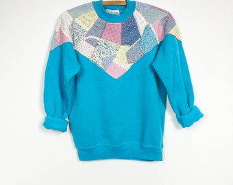 Pullover Sweatshirt Women's XS Festival Quilted Patchwork Boho Pastel Kawaii Turquoise Pink Floral Chevron Cheetah Mervyn's Crew Neck Slim