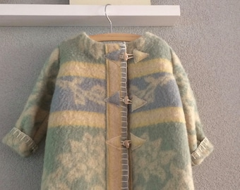 Girls jacket, blanket coat dekenjas made of a vintage wool blanket in soft colors, size 92- 98 (2-3 years)