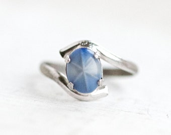 Blue Stone Ring - Sterling Silver Vintage Ring - Size 5.5