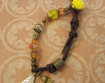 Yellow and Gold Abstract Glass Beaded Bracelet