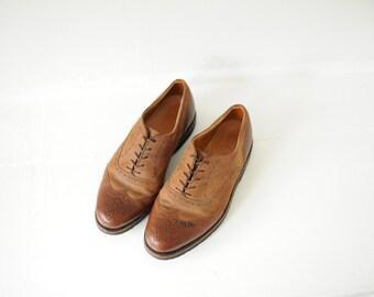 Vintage Cole Haan Two Tone Brown Leather Wingtip Oxfords, Mens 8 / ITEM182