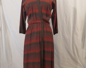 FORTIES CHIC vintage wool wrap dress - chevron stripe - Madeleine et Cie Grosscraft sz m