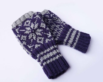 Fingerless Mittens - Traditional Norwegian Design // Selbu Style in Purple and Gray