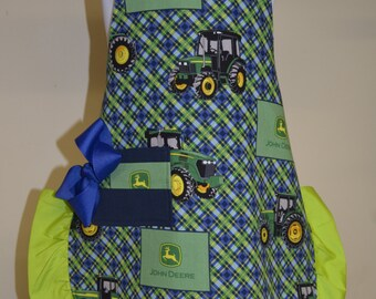 Little Girls Aprons, Child's Apron, Little Girls Apron,John Deer Tractor, Little Girls Apron, Ready to Ship, size 3-5