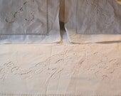 queen sheet set, sheet set,  white sheet, linen,full sheet set,Vintage white hand embroidered Sheet Set -  Flat Sheet w/ 2 Pillow Cases