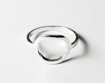 ei - minimalist oval ring/ stacking ring/ statement ring/ egg ring