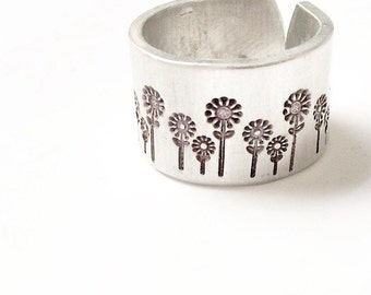 Stamped Flower Ring. Daisy Ring