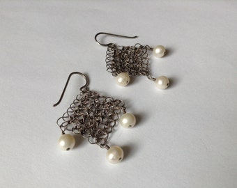 Crochet Silver Wire Rectangular Earrings with 3 Freshwater Pearls