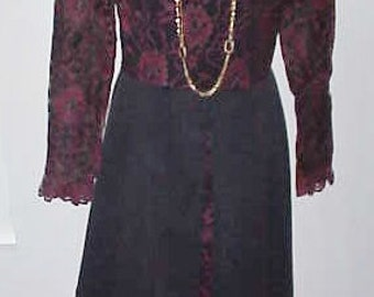 1960 Dress  I Magnin San Francisco Lace & Satin in a  Stunning Design   Label Size 12