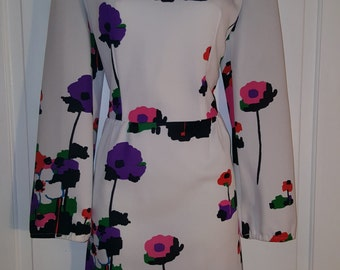 POP ART DRESS // Vintage 60's Floral Flower White Polyester Dress Purple Green Pink Red Green Orange 70's Size M/L Retro Pointy Collar