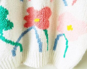 Soft Vintage Spring Sweater / Vintage Floral Knit Sweater / Short Sleeved Lattice Garden Floral Sweater