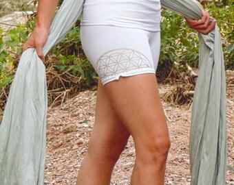 Sharatan: Shorts with Flower of Life Screen Prints. Sacred Geometry Yoga Activewear. Versatile elastic-free high-waist. Organic Cotton.