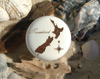 Cabinet knob New Zealand of New Zealand engraving beech - furniture knob - engraving