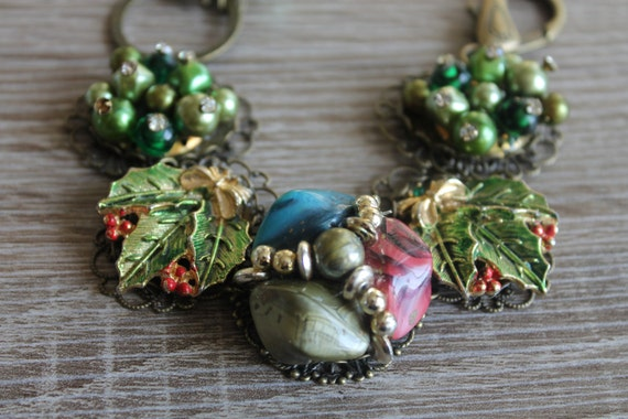 BRACELET, Christmas Gift, green pearl lucite Earrings Bracelet, vintage cluster earrings, Enamel earrings, vintage assemblage, repurposed