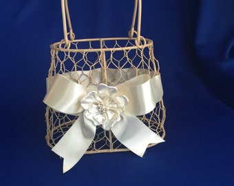 cream  flower girl basket purse with ivory ribbon and  pearl  flower brooch  rustic wedding purse basket for junior bridesmaid