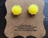 Frosted Yellow Mum Cabochon Stud Earrings