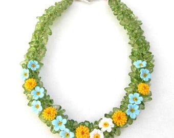 Green Necklace, Green Jewelry, Flower Necklace, Statement Necklace, Chunky Necklace, Flower Jewelry, Daisy Jewelry, Romantic Necklace,Spring