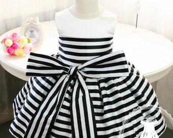 Newborn Girl Dress with Black and White Stripes, Baby Tutu 1st Birthday, Newborn Tutu,Toddler Girl Dress, Birthday Dress Baby, PD006