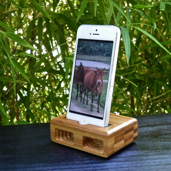 Summer Sale - Over 40% OFF the CLASSIC Acoustic Docking/Charging Station in Bamboo for iPhone 5