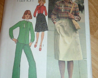 7621 Simplicity Size 6 & 8 Contains Two Sizes Young Contemporary Fashion Misses' Shirt Skirt Pants Vintage 1976