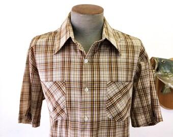 1970s Envoy Men's Brown Plaid Short Sleeve Shirt Vintage Cotton & Polyester Blend Shirt - Size XL