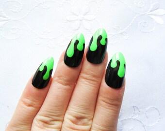 24 'Witches Brew' Stiletto Nails / Fake Nails / False Nails / Press on / Halloween / Goth / Neon / Drippy / Stiletto / Nails