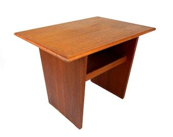 Mid Century Modern Teak Side Table Accent End Table 1970's Danish Modern Table Retro Home Decor Scandinavian Design Modern Furniture