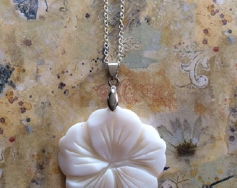 Shell Necklace - Shell Jewelry - Shell Pendant - Flower Necklace - Flower Jewelry - Flower Jewlery - Hawaiian Necklace - Hawaiian Jewelry