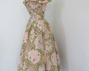 Lovely and Feminine 1950s Floral Taffeta Dress with Full-circle Skirt