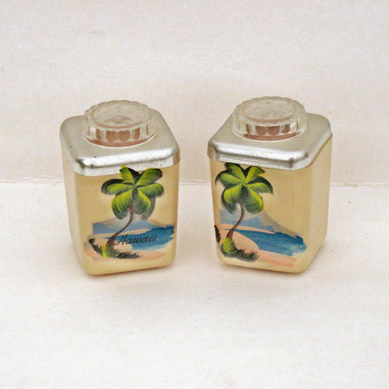 Hawaiian Decor Tropical Salt And Pepper Shakers Tropical