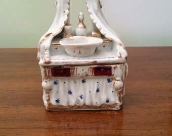 Fairing Box - Conta Boehme Co - 1880s - Antique Trinket Box - Bisque - Numbered 466