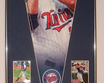 Minnesota Twins Jim Thome Player Pennant & Cards!! Great Gift...Custom Framed!!!