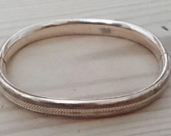 Vintage rolled gold bangle