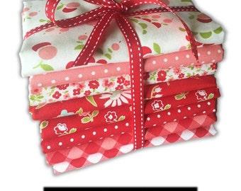 Moda Fabric - Vintage Picnic - Bonnie and Camille - Fat Quarter Bundle - Red