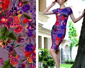 Floral pencil dress with short sleeves. Jersey bodycon mididress with flower print.