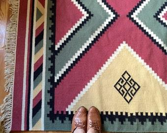 Vintage Woven Wool Rug, Native American Style Rug, Southwestern / Aztec Rug