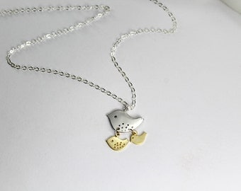 Mother of 2 babes Necklace .New mommy gift,2 kids.Jewelry 2 baby bird Mama Mom Personalized Jewelry Son Daughter Kids Anniversary Birthday