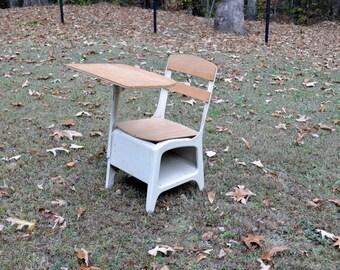Vintage School Desk Child Size Beige Putty Retro School Desk with Chair Panchosporch