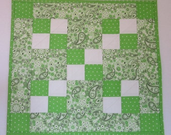 """Doll Quilt, 20"""" x 18"""", Mini Quilt, Table Topper, Lime-Green, White, Paisley, Four-patch Quilt"""