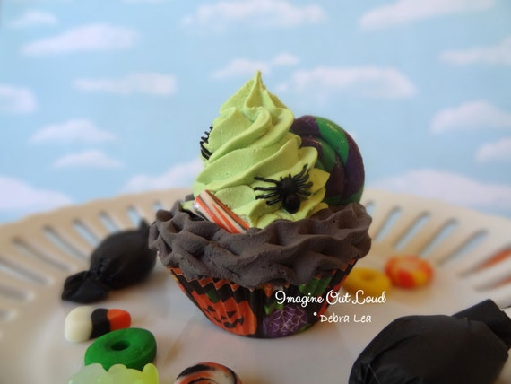 Fake Cupcake Halloween Spider Gumdrop Fake Lollipop Trick or Treat Cupcake Display Decor