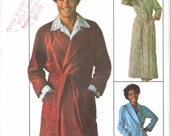 1970s Vintage Men's Robe Pattern / Simplicity 7741 / Size Medium 38-40 / UNCUT