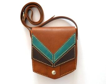 BROWN LEATHER PURSE / Leather bag / pouch / corssbody bag / satchel / saddle bag