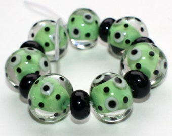 Set of 7 Donut Beads - Green Black Martini - 14 mm - Polka Points Dots - Transparent Handmade Lampwork Glass Beads