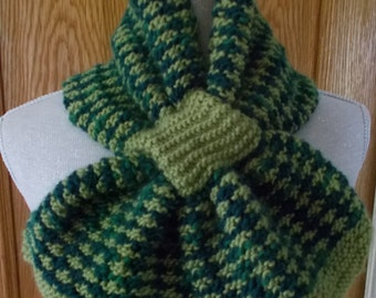Green neck scarf in alpaca and wool