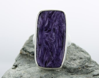 Silver ring with Charoite. Size 9. Natural stone. Charoite jewel. Charoite cabochon Ring. Ring size R 1/2. Quality Charoïte AAA