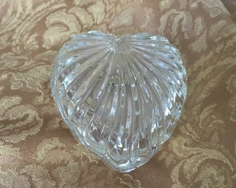 Zajecar Crystal Heart Trinket Box, Lead Crystal Heart Box, Crystal Heart Box, 24% Lead Crystal, made in Yugoslavia, Heart Glass Jewel Box
