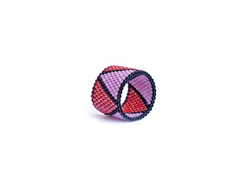 Geometric Band Ring, Peyote band ring, Handwoven, Triangle, Modern, Beaded Ring, Miyuki delica, Minimalist, Purple, Pink