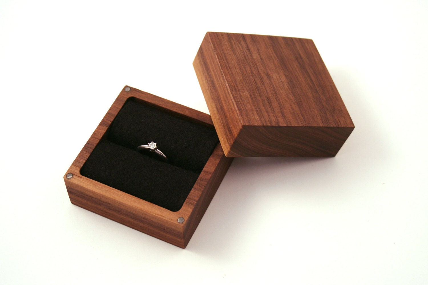 Walnut wood ring box ascetic design ring box for Wooden ring box